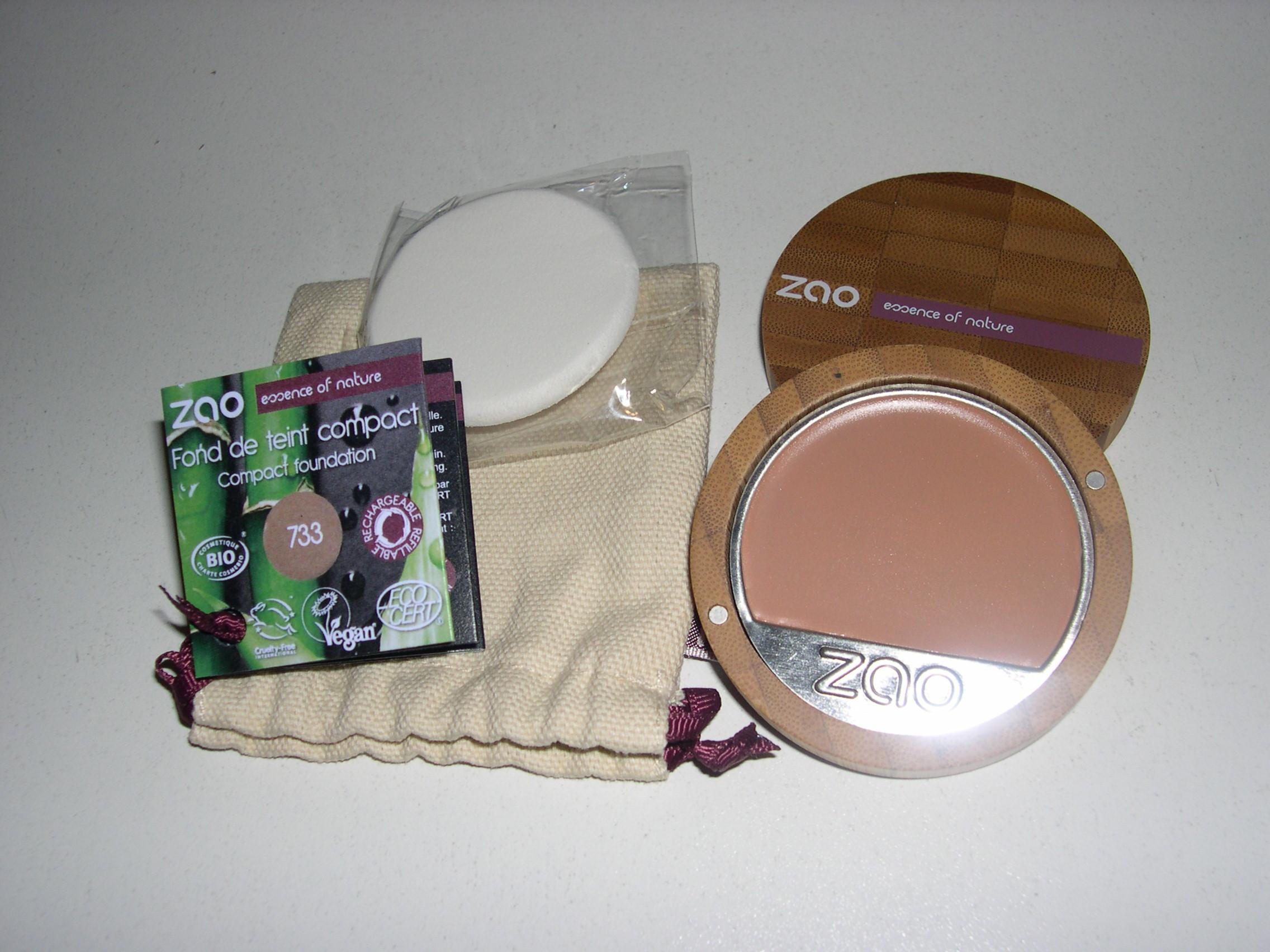 maquillage fond de teint compact neutre 733. Black Bedroom Furniture Sets. Home Design Ideas